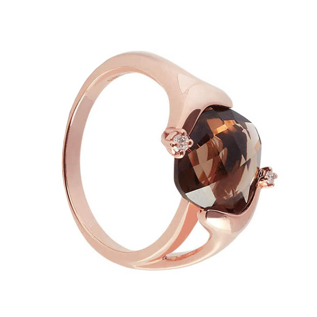 Rose gold ring with 3.95 ct square briolette smoky quartz and 0.03 ct diamonds. 