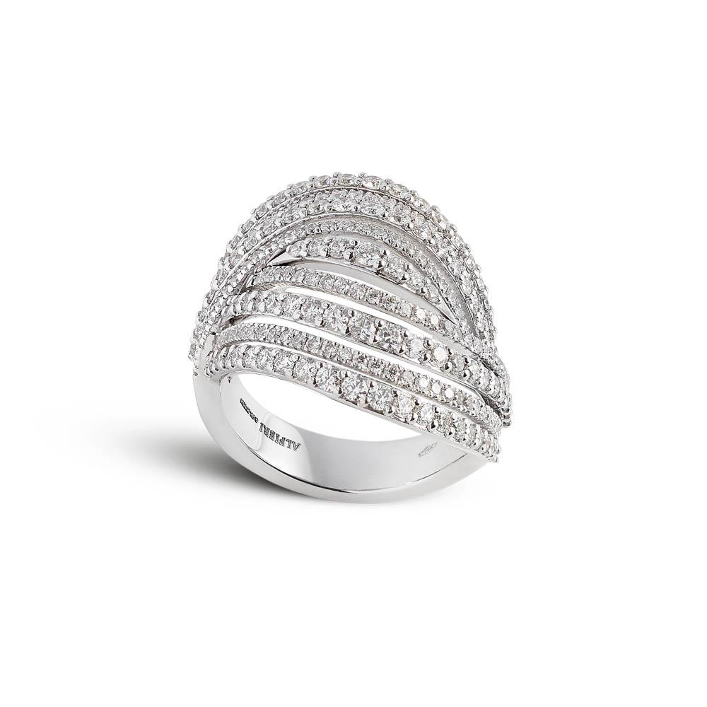 White gold ring with 2,01 ct diamonds