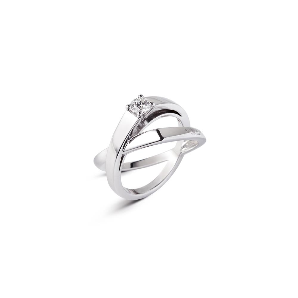 Anillo fasce entrelazado en oro blanco con diamante ct 0,30 Disponibile en varios quilates.