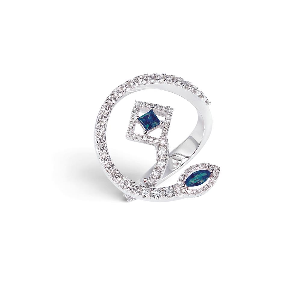 18 kt white gold ring with 0,28 ct navette and carrè cut precoius stones and 0,78 ct diamonds