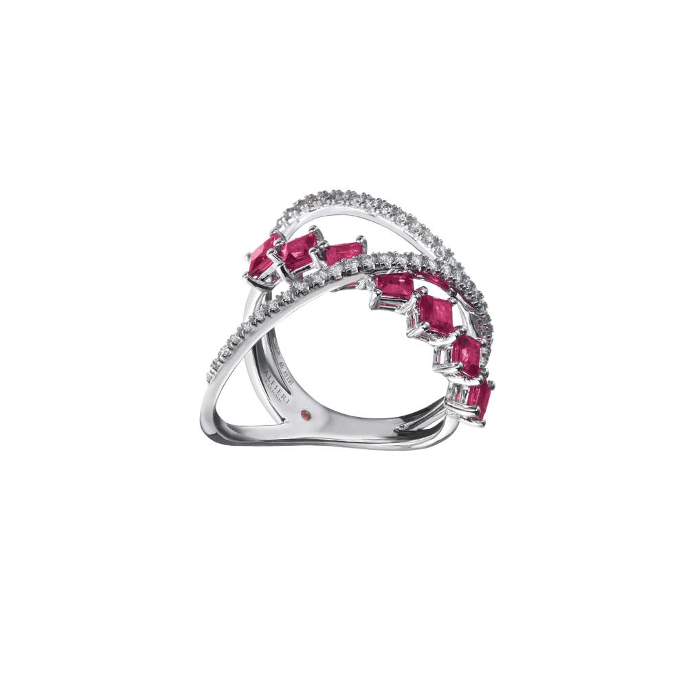 18 kt white gold ring with 1,19 ct carrè cut rubies and 0,32 ct diamonds