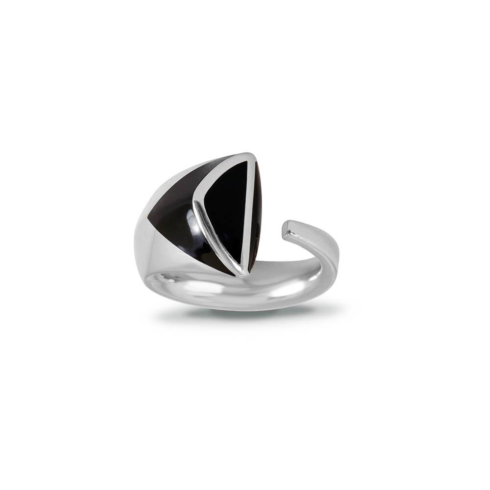 Sterling silver ring with black enamel size N