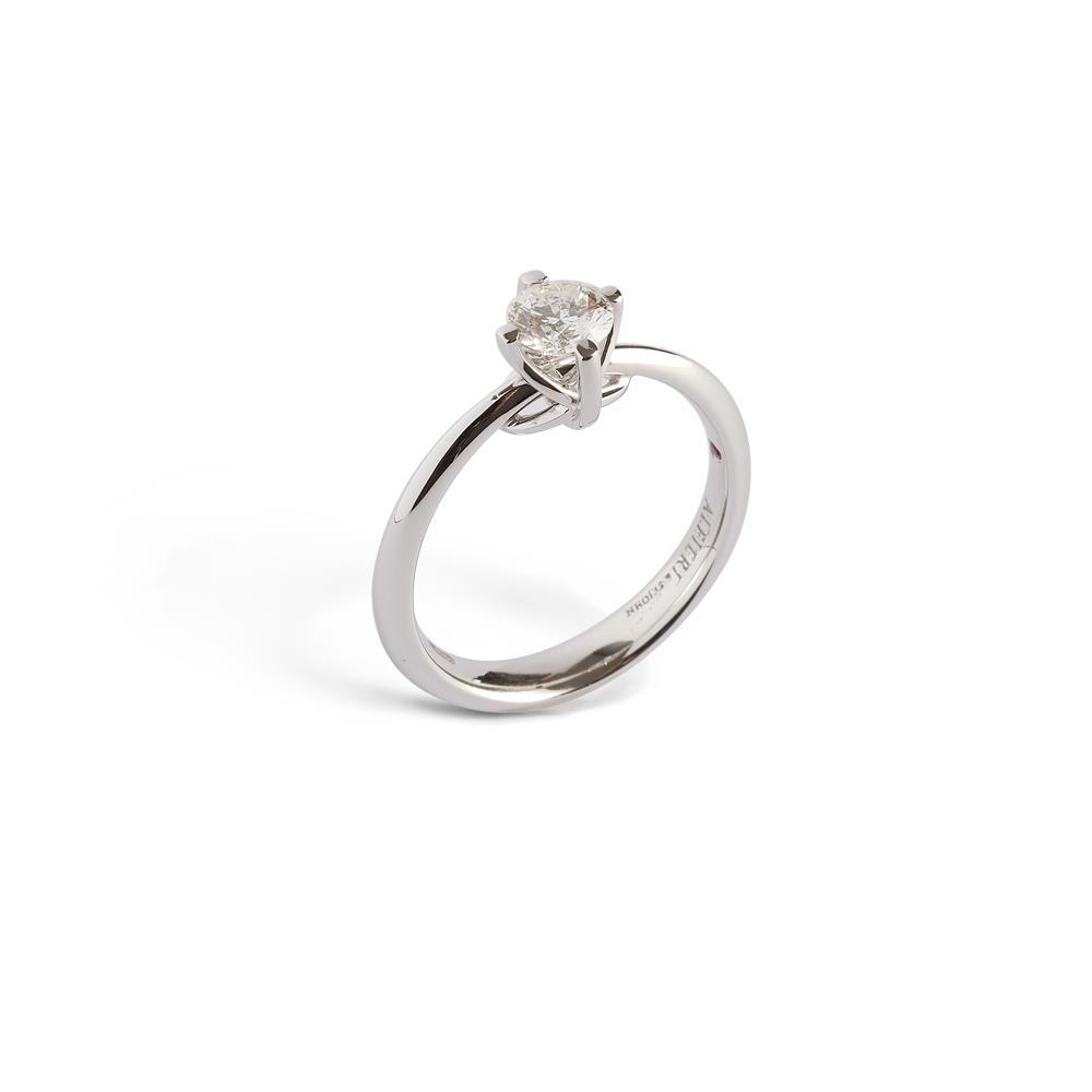 Anello in oro bianco con diamante 0,30 carati, dettaglio «fiocco» Disponibile in varie carature