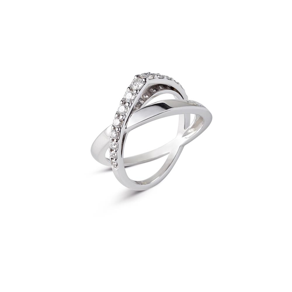 Intertwined ring in 18 kt white gold set with 0,50 ct diamonds