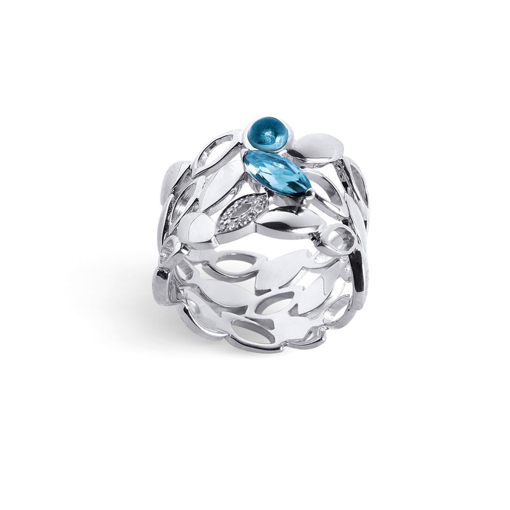18 kt white gold ring with light blue topaz navette and cabochon cut and 0,03 ct diamonds