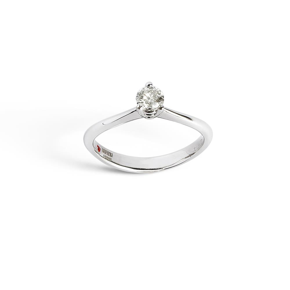 3 griffes solitaire ring set in 18 kt. white gold with 0.80 ct diamond  Available in different weighing in carats