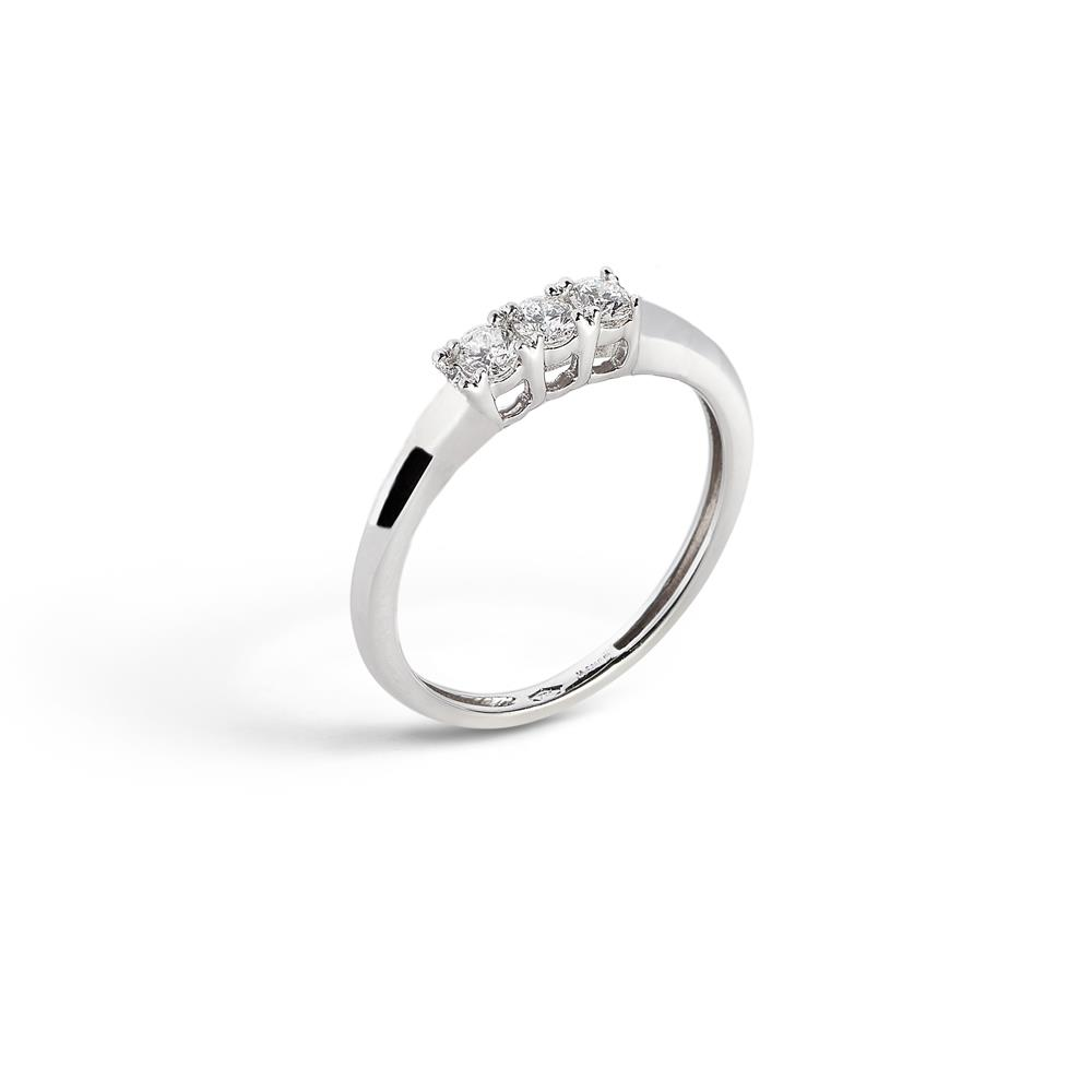 4 griffes ring in 18 kt white gold with three 0.48 ct diamonds Available in different weighing in carats