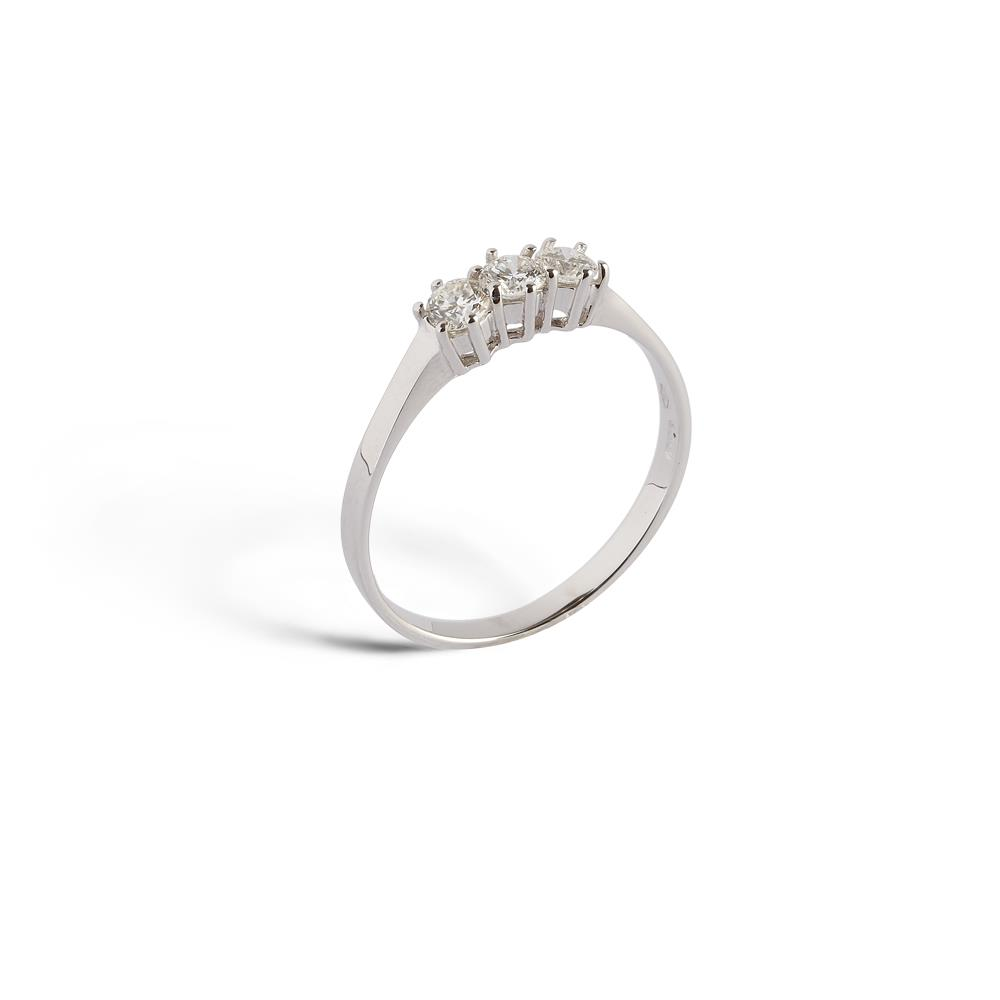 6 griffes ring in 18 kt. white gold with three 0.48 ct diamonds  Available in different weighing in carats