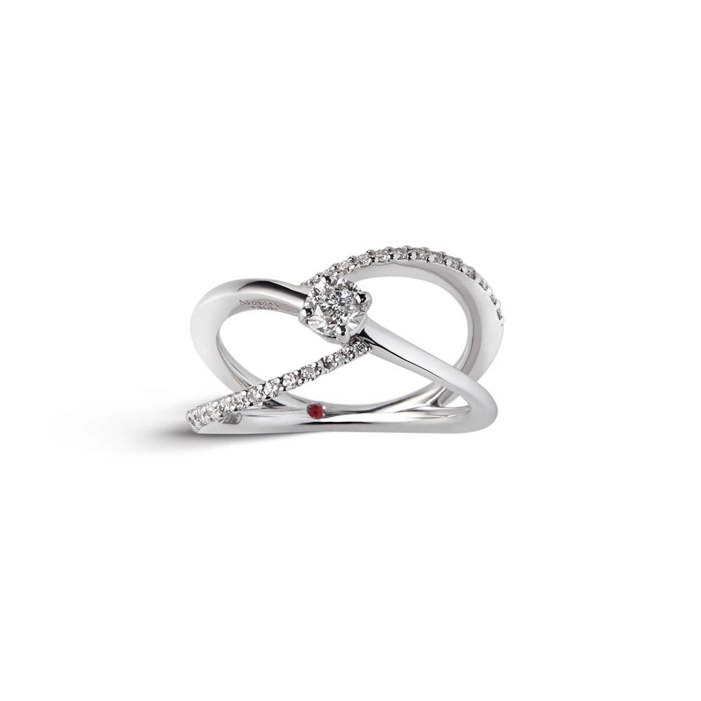 Alfieri & St John ring in white gold with diamonds pave ct. 0.23 and central diamond ct. 0.30. Measure 14