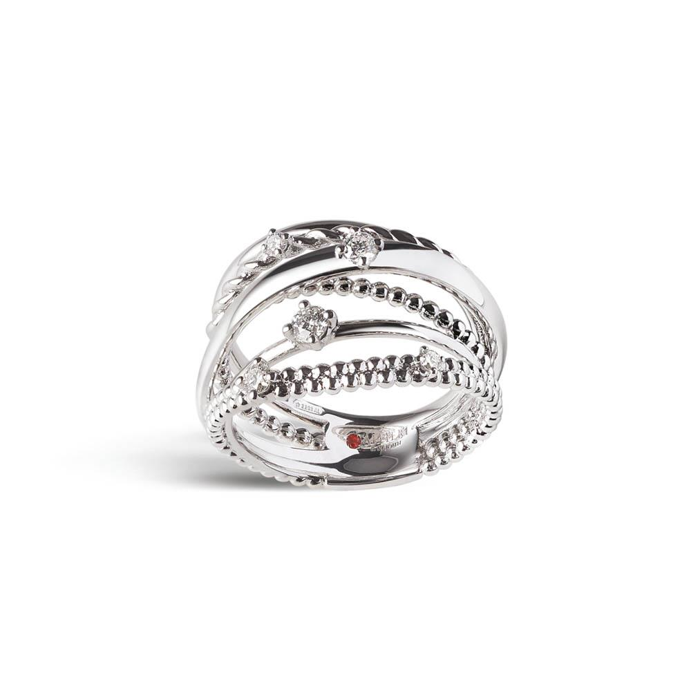 Intertwined bandring in 18 kt white gold set with 0,30 ct for five diamonds
